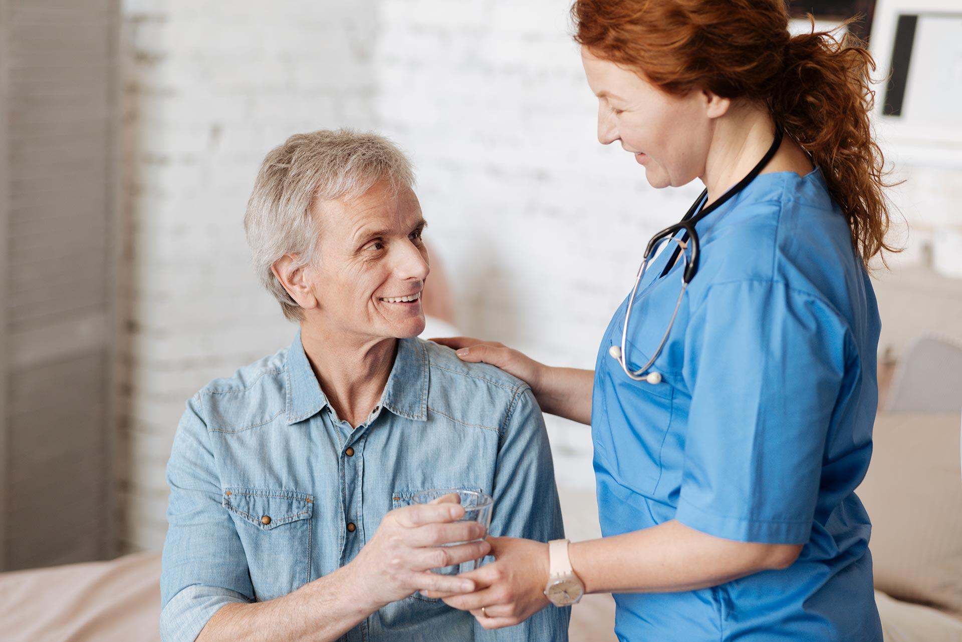 La importancia de la hidratación en personas mayores